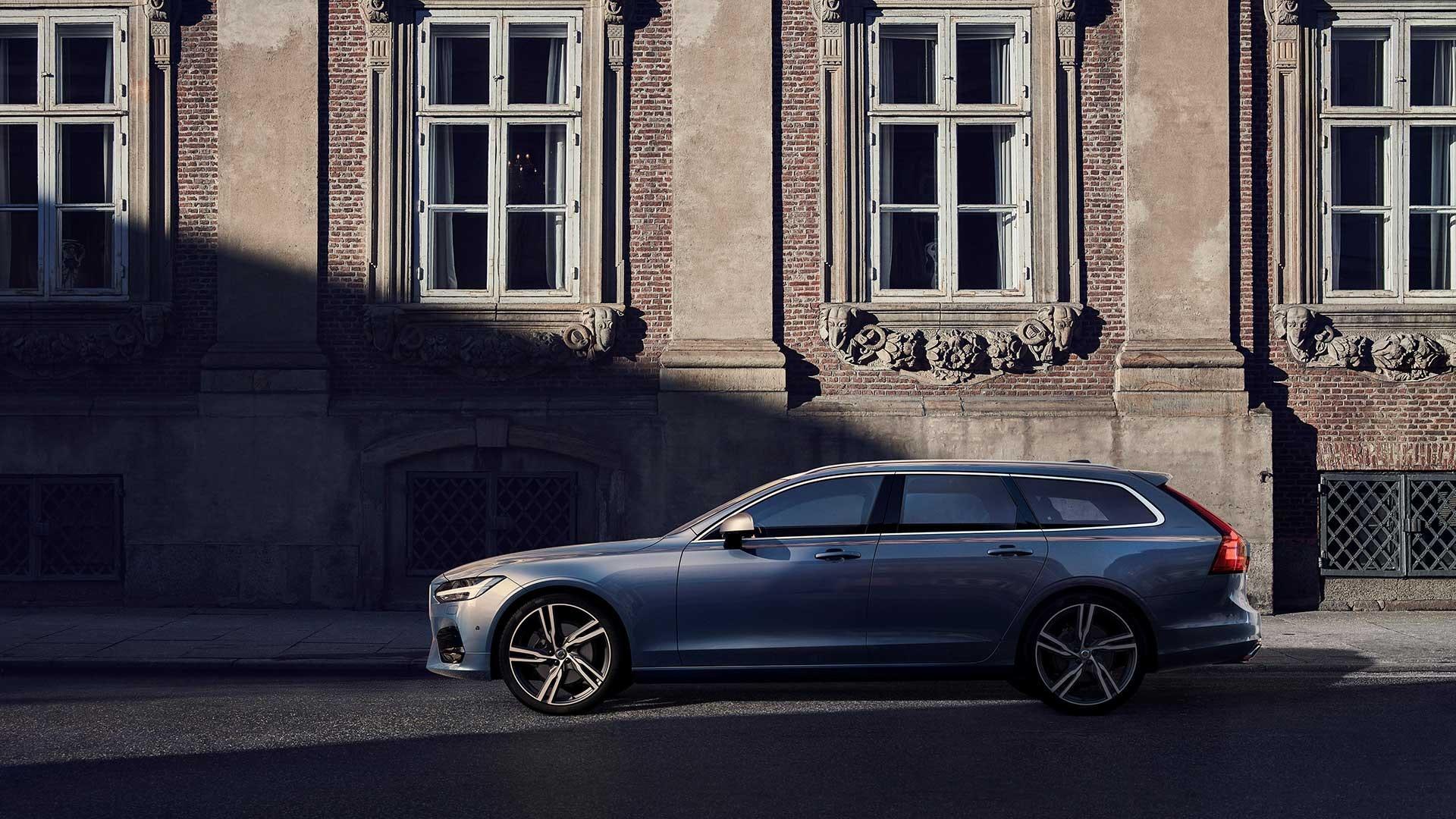 Volvo V90 side blå
