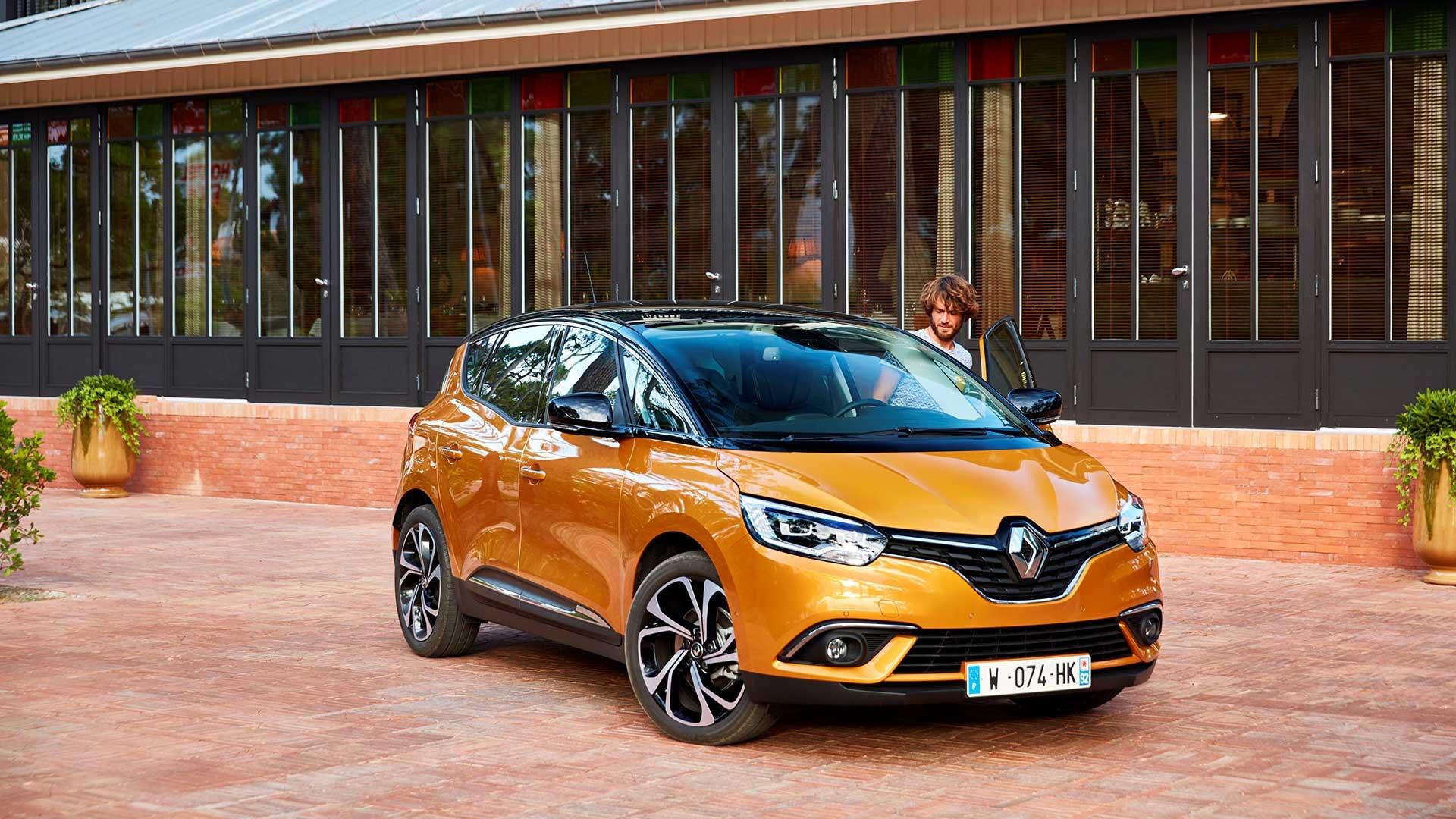 Renault Grand Scenic orange