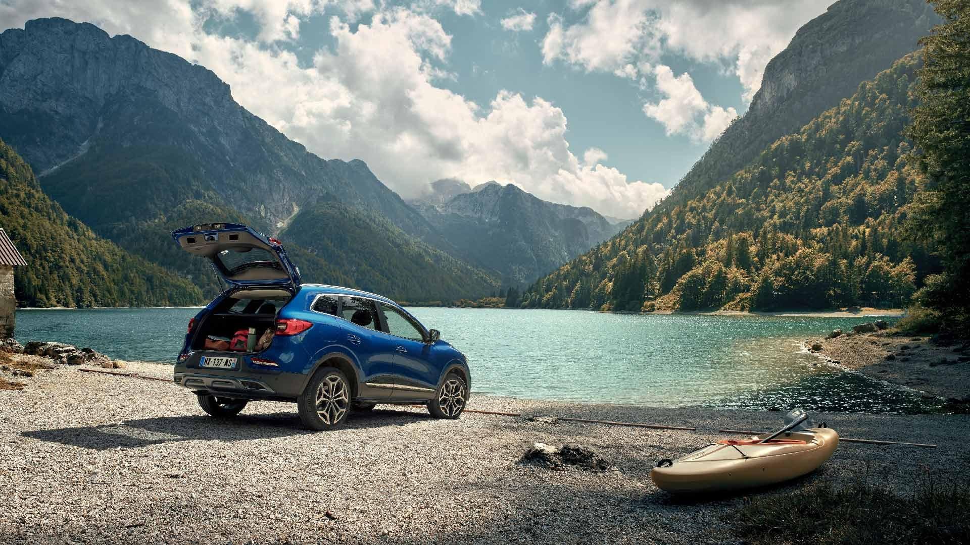 Renault Kadjar blå bagfra sø