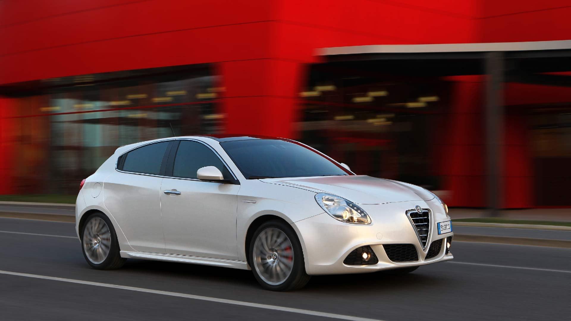 Alfa Romeo Giulietta hvid front