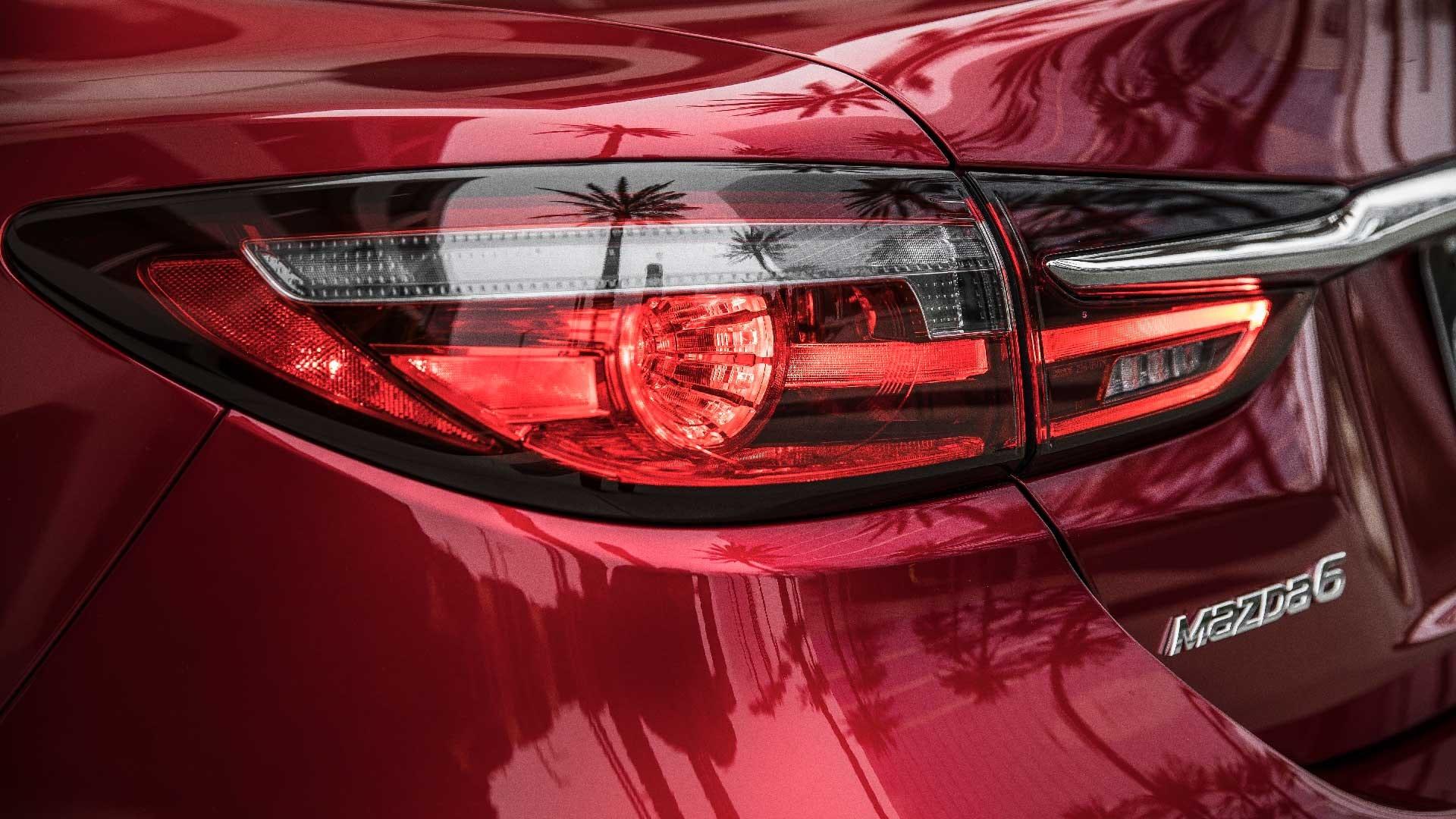 Mazda 6 baglygte