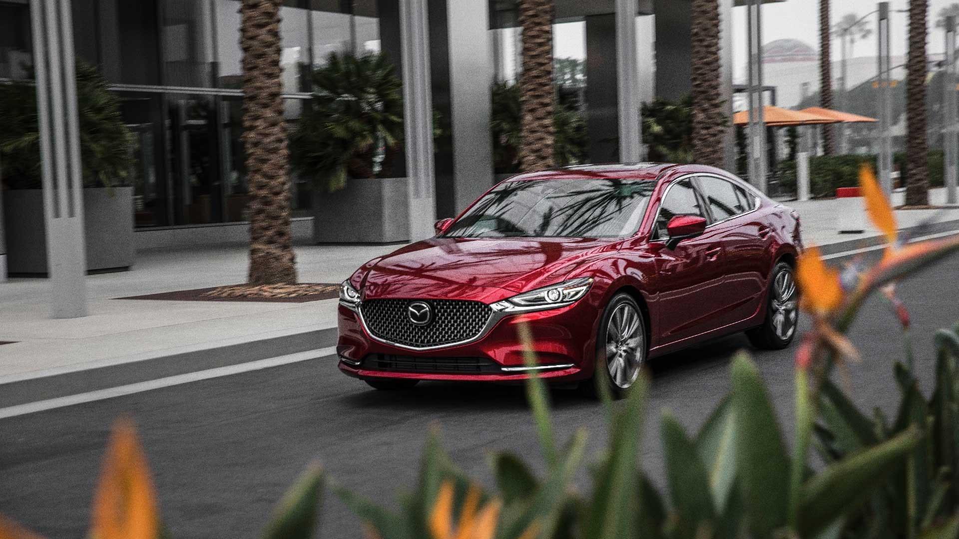 Mazda 6 rød side