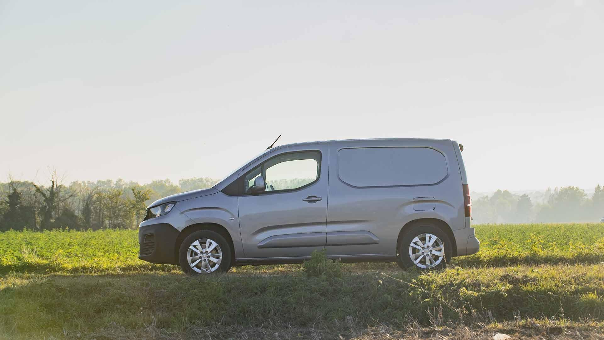 Peugeot Partner fra siden