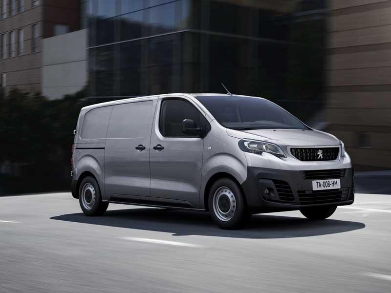 Peugeot Expert grå i fart