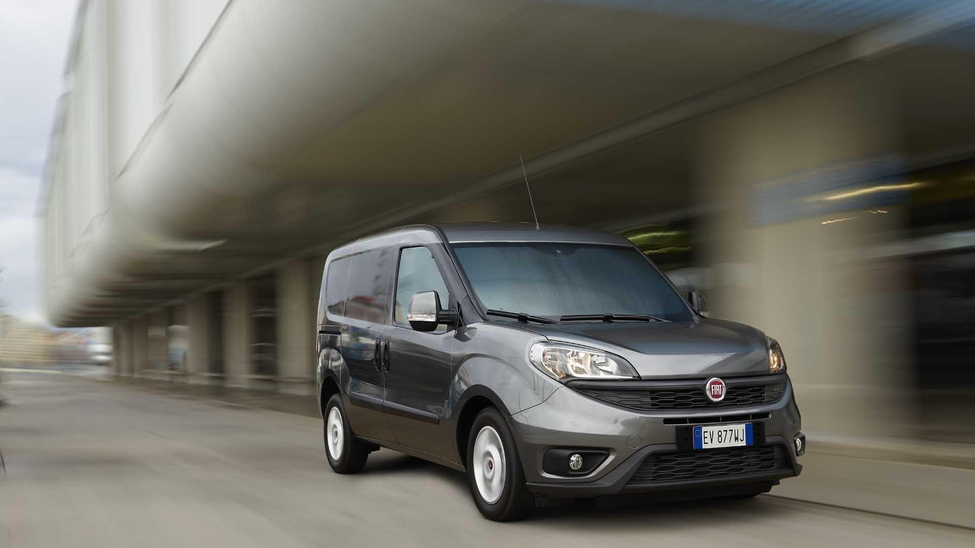 Fiat Doblo Cargo grå front