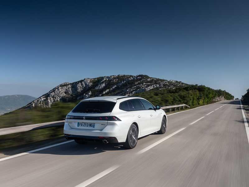 Peugeot 508 hvid bagfra