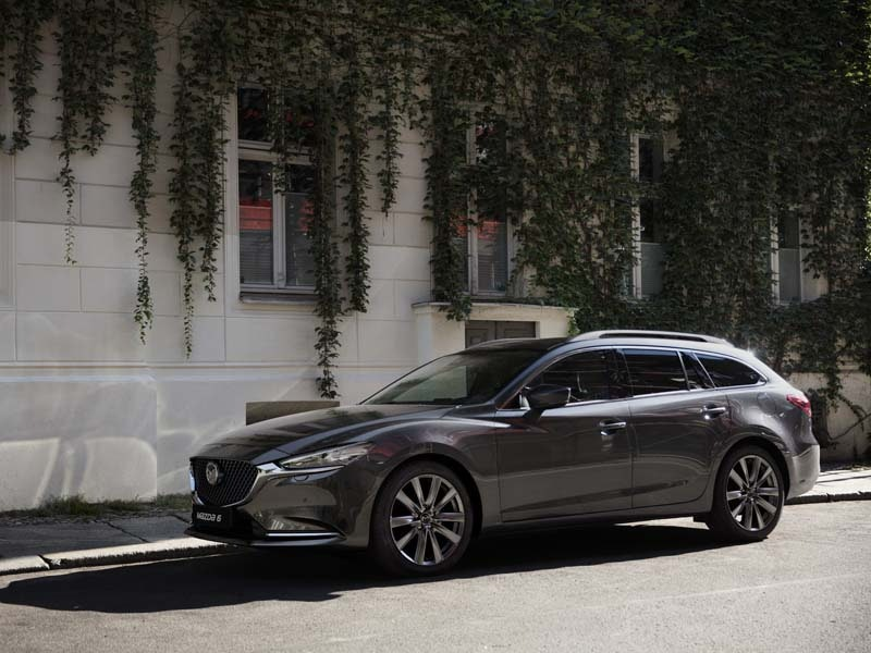 Mazda 6 Stationcar grå fra siden