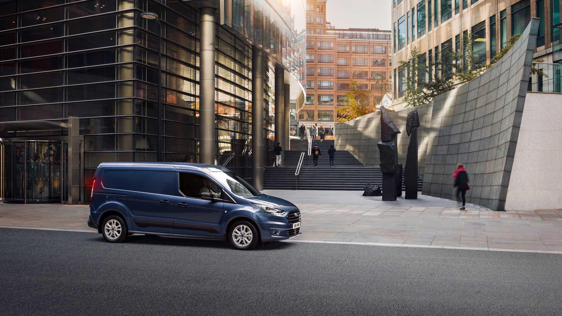 Ford Transit Connect blå fra siden
