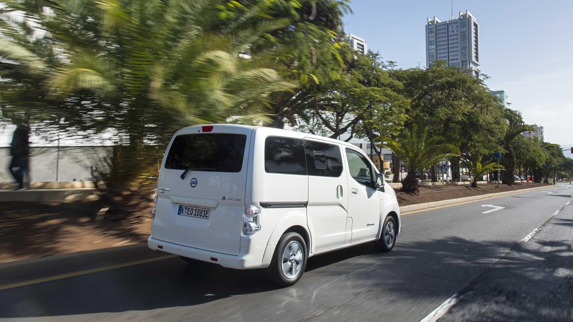 Nissan E-NV200 Evalia hvid bagfra