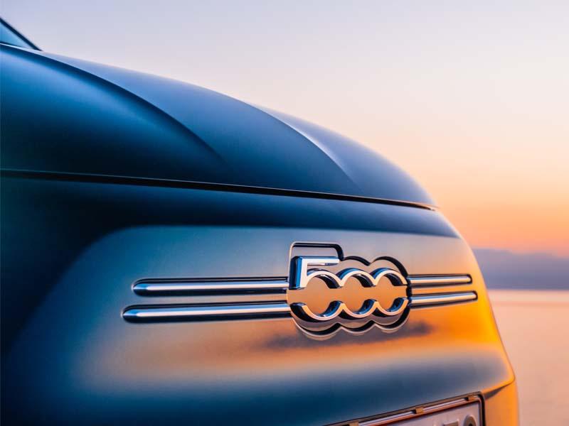 Fiat 500e front med logo